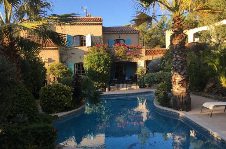 Villa provençale 3/4 ch proche mer – RAYOL CANADEL